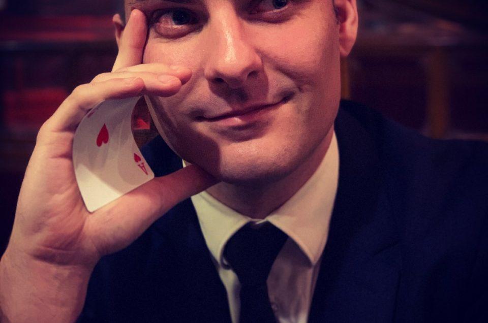 Pourquoi choisir un magicien close-up pour vos événements