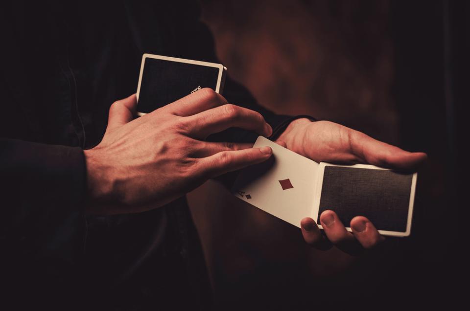 un magicien close up pour votre soirée privée
